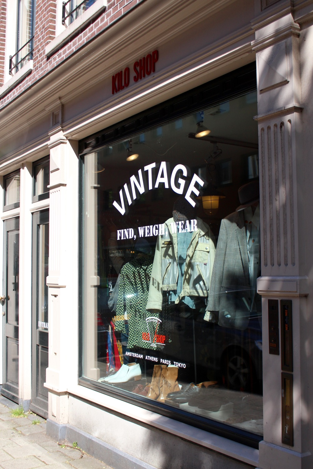 Retro   Chic is perhaps the most elegant and exquisite vintage boutique I  have been visiting in Amsterdam. The store itself resembles a showroom from  the ... e3ad21f3378